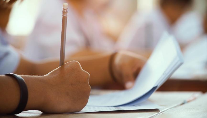 Il faudra vous armer de patience avant de pouvoir consulter vos notes des E3C. //©arrowsmith2/AdobeStock