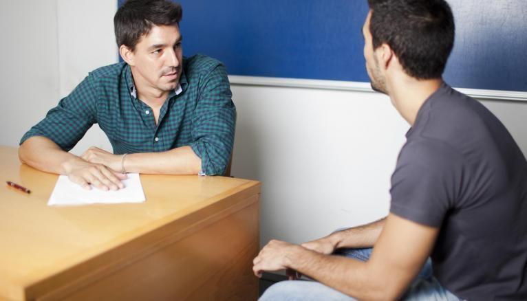 L'épreuve orale de français se déroule en deux temps : une présentation d'un texte étudié en classe et une présentation d'une œuvre littéraire de votre choix.