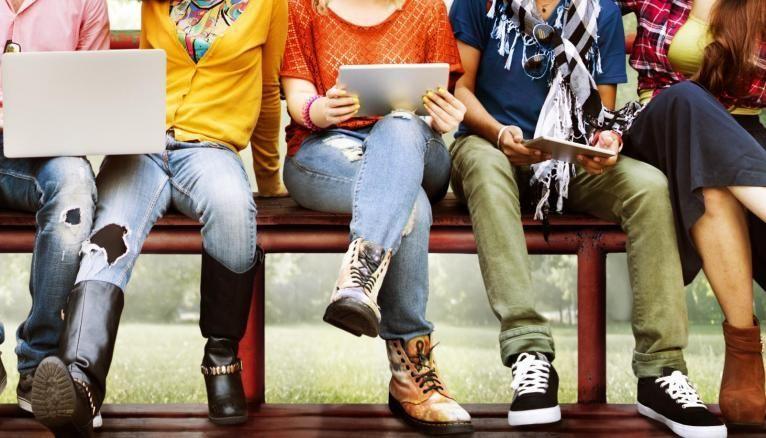 Trois jeunes commentent les résultats du baromètre l'Etudiant.