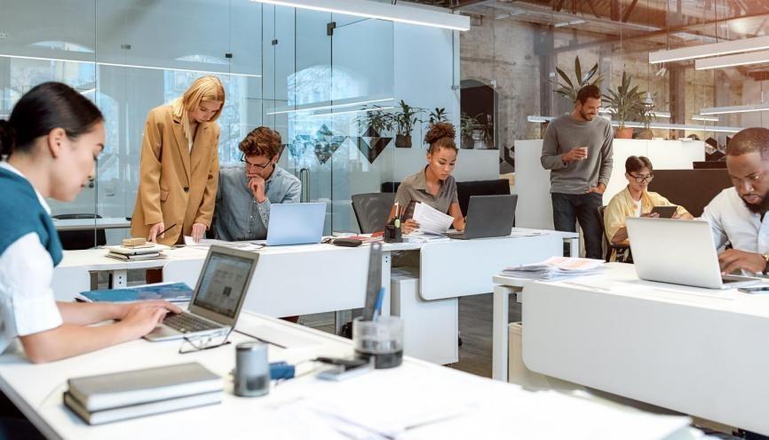 Depuis plus de trente ans, les différents gouvernements ont lancé plusieurs plans pour l'emploi des jeunes. //©Svitlana / Adobe Stock