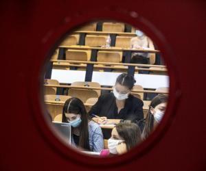 Les universités pourront-elles accueillir la moitié de leurs étudiants en présentiel comme elles le demandent dès début janvier ?