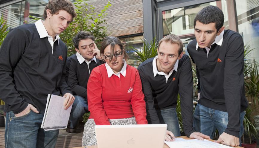 """Àl'EPITA. """"Les innovations de demain auront un impact sociétal, les filles doivent y prendre part !"""", Joël Courtois, directeur général de l'EPITA. //©EPITA"""