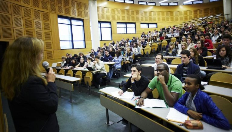 A Tours, des étudiants de l'UFR de droit, économie et sciences sociales.