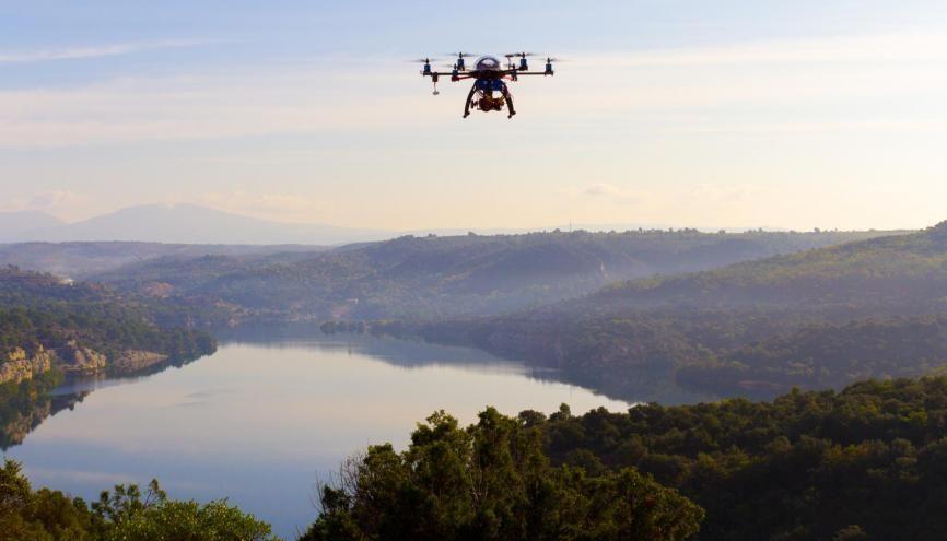 Les drones permettent de faire de belles captures pour l'audiovisuel. //©Aerofilms.fr