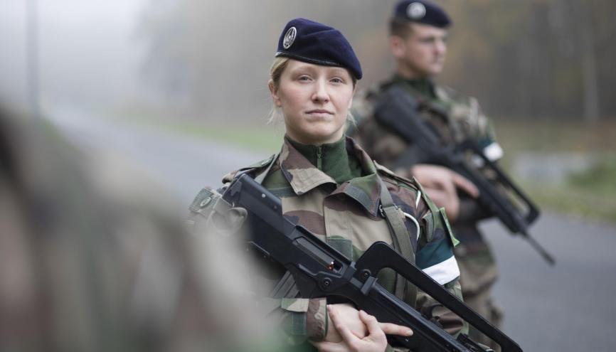 L'armée de Terre recrute aussi des femmes //©Ministère des armées
