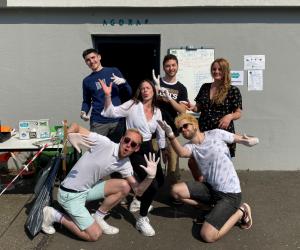 L'équipe de l'Agoraé de Caen au complet pour distribuer les paniers-repas.