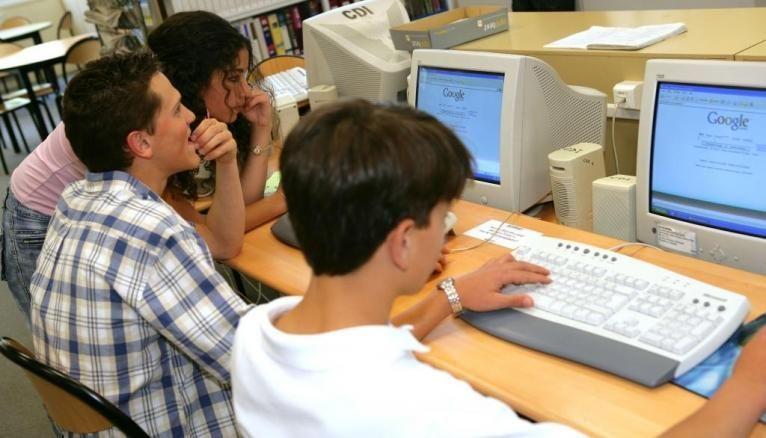 Vous passerez ces tests de français et de mathématiques sur ordinateur.