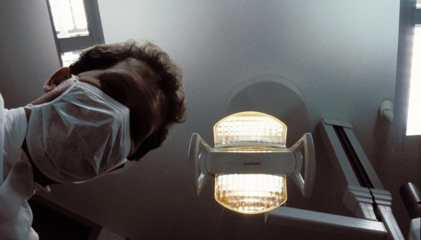 Les études de santé se réforment et celles d'odontologie ne sont pas en reste avec la mise en place de nouveaux diplômes spécialisés. //©plainpicture/Anke Tillmann