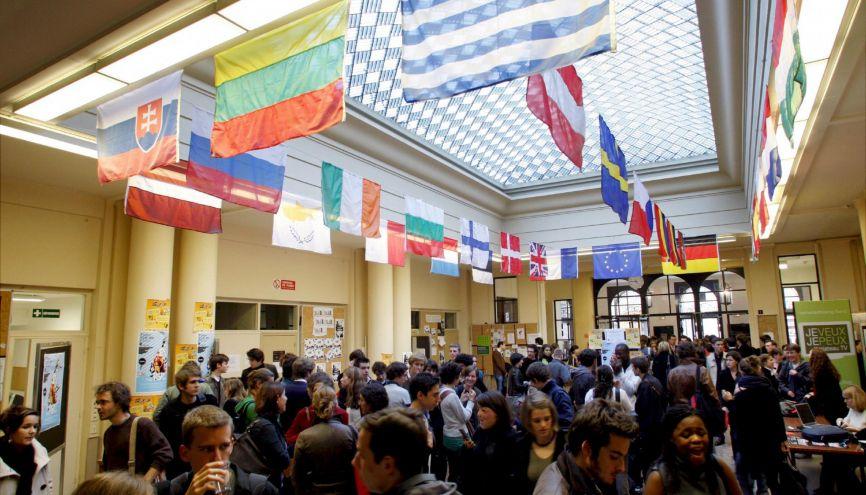 Abitur, maturità, ylioppilastutkinto... Les examens dans les pays européens ont quelques similitudes avec le bac français. //©©Nicolas TAVERNIER/REA