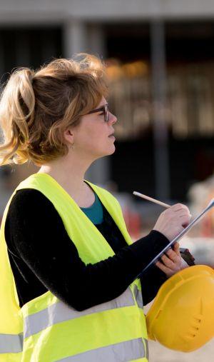 Le secteur du BTP compte recruter une dizaine de milliers de jeunes en alternance l'année prochaine.