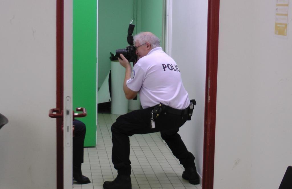 Shooting photo express après la distribution de l'uniforme pour constituer le trombinoscope de la promotion. //©Etienne Gless