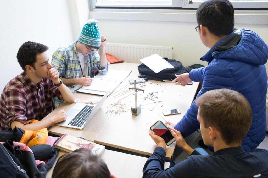 La promotion compte 35 % de filles et 65 % de garçons. Les élèves ingénieures ne représentent que 15 % des effectifs du cycle polytechnicien. //©Jérémy Barande - Ecole polytechnique