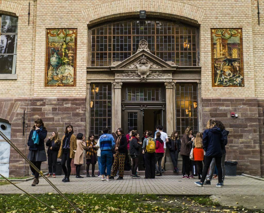 L'école rassemble trois campus. Ici, le site d'arts plastiques de Strasbourg, bâti en 1832 et inscrit aux Monuments historiques. //©Pascal Bastien/Divergence pour l'Etudiant