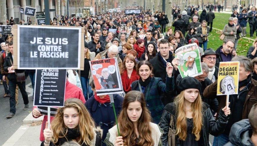 """Manifestation lycéenne à Toulouse (31), le 10 janvier 2015, contre le terrorisme et en hommage aux victimes des attentats contre """"Charlie hebdo"""" et le supermarché casher // © Lydie Lecarpentier/REA //©R.E.A"""