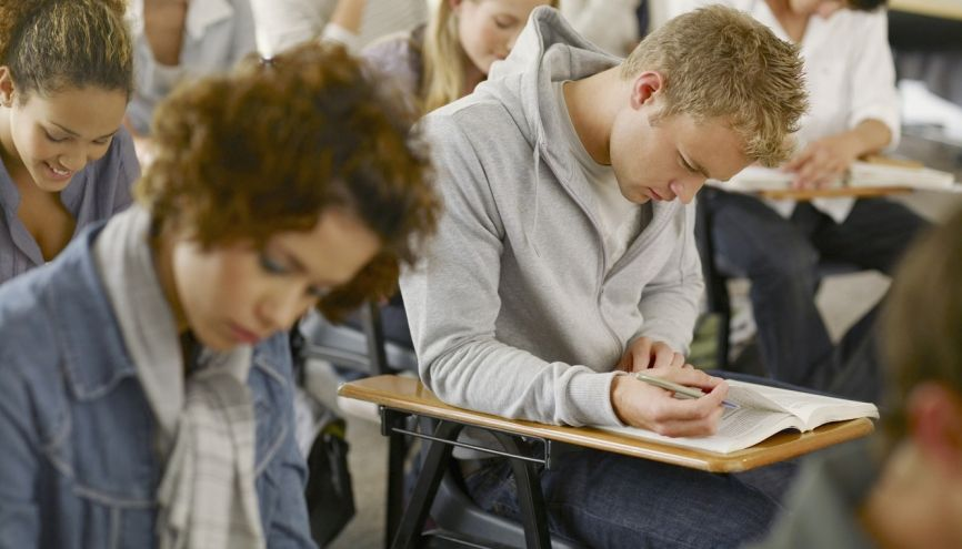 Le TOEFL est reconnu à l'international par plus de 8.500 établissements d'enseignement supérieur, universités et agences dans plus de 130 pays. //©Chris Ryan/plainpicture/OJO