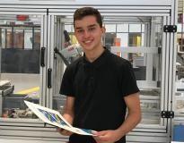 Tom, 17 ans, apprenti chez Michelin prépare à l'école Hall 32 son bac pro Maintenance des équipements industriels (MEI) //©Etienne Gless