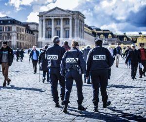 Un concours exceptionnel pour devenir gardien de la paix a été organisé en mars 2016 face à l'afflux de candidats.