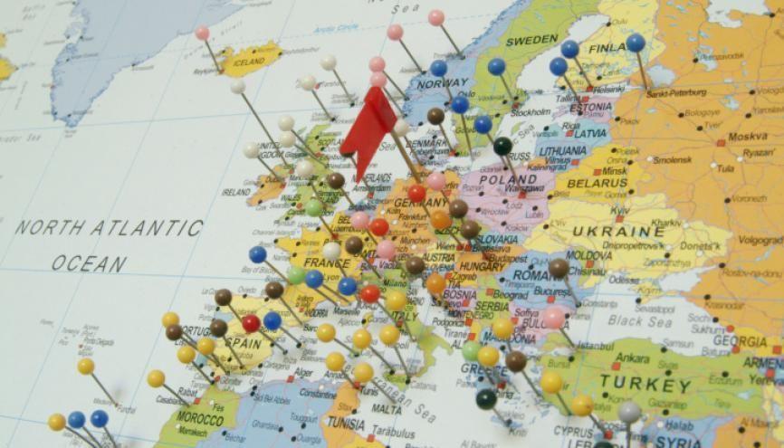 Une année de césure peut être mise à profit pour un séjour à l'étranger. //©plainpicture/Thomas Grimm