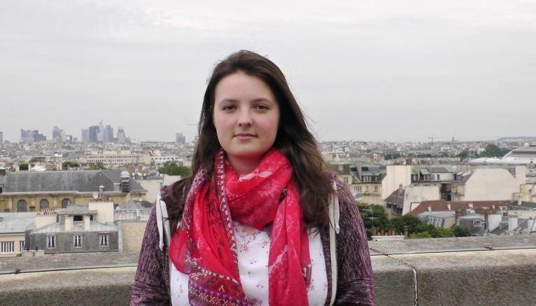"""Amandine : """"Tutorer des collégiens en difficulté m'a fait découvrir combien j'aime être utile. J'entre en licence d'histoire et je compte de venir professeure des écoles""""."""