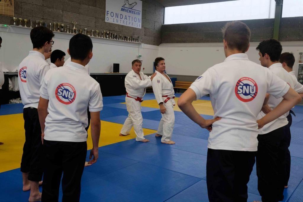 Activité d'auto-défense pour les volontaires du SNU. //©Photo fournie par le témoin