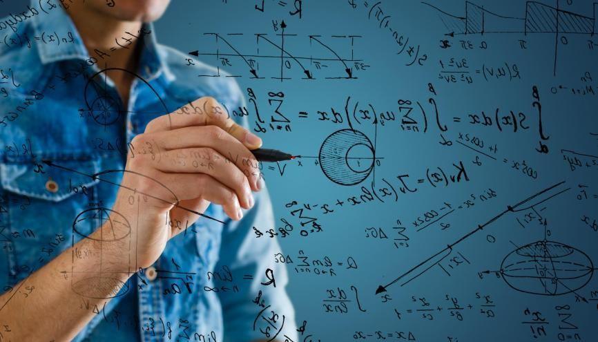 En terminale, les élèves pourront choisir deux options : maths expertes ou maths complémentaires. //©Adobe Stock/Angelov