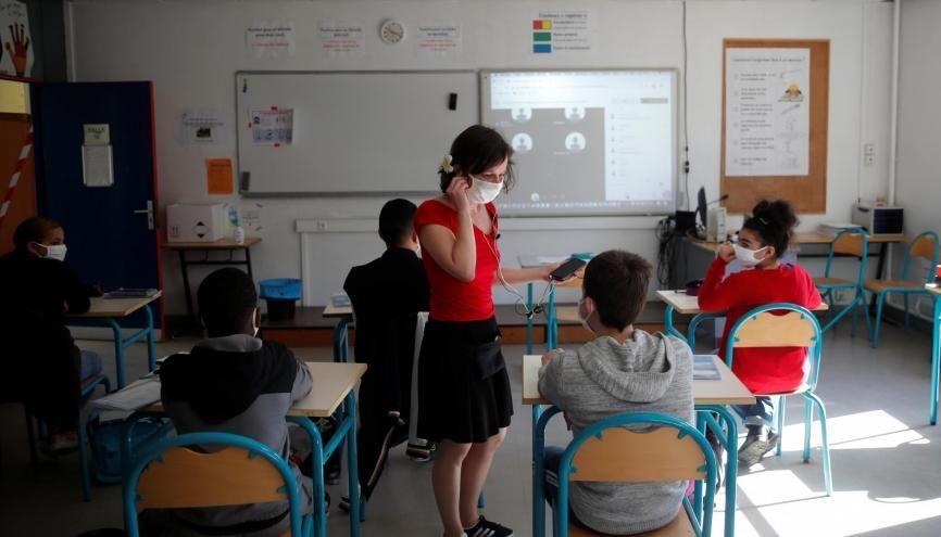 La présence en classe sera obligatoire pour tous les écoliers, collégiens et lycéens dès le 1er septembre. //©Stephane Mahe / REUTERS