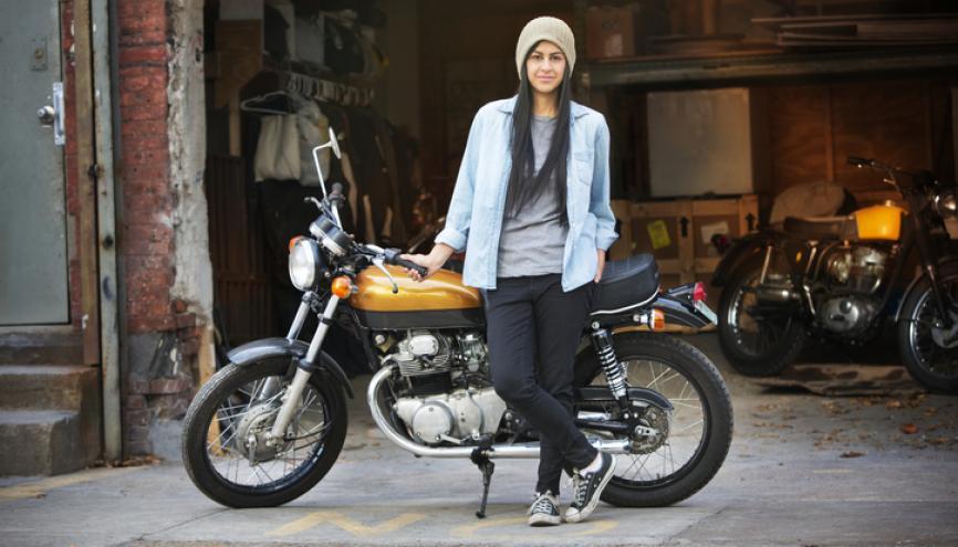 Comme pour le permis voiture, le permis moto demande de nombreuses heures d'apprentissage. //©PlainPicture