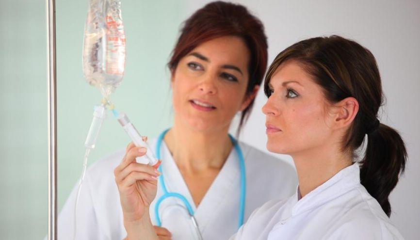 Trouver un contrat d'alternance dans le secteur médico-social est possible à condition de faire preuve d'une forte motivation. //©Phovoir