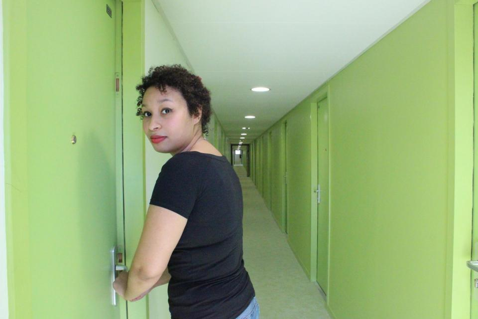 Chaque étage a sa couleur, au deuxième étage, les murs sont peints vert pomme. //©Delphine Dauvergne