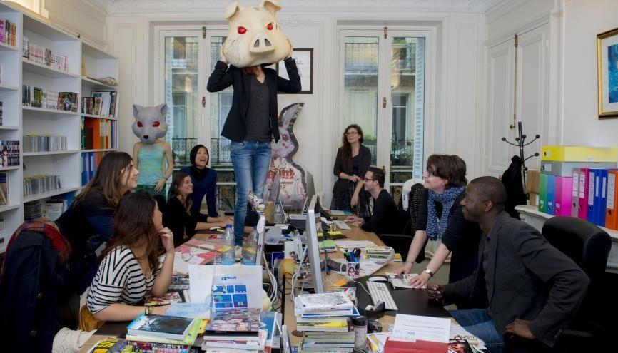 Les réunions de service aux éditions Ki-oon se font dans une bonne ambiance. //©Cyril Entzmann / Divergence pour l'Etudiant