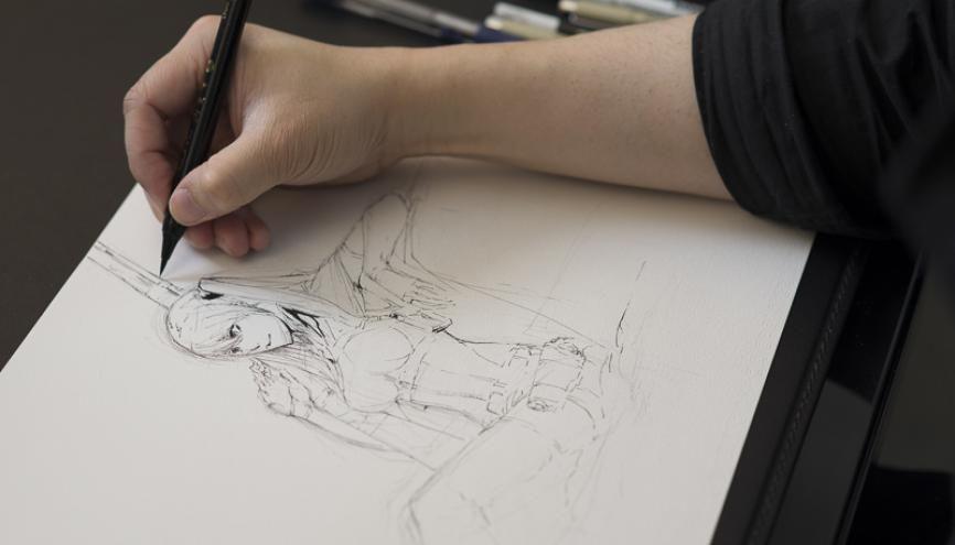 Discret, le dessinateur Shonen préfère mettre en avant ses dessins plutôt que sa personne. //©Cyril Entzmann / Divergence pour l'Etudiant