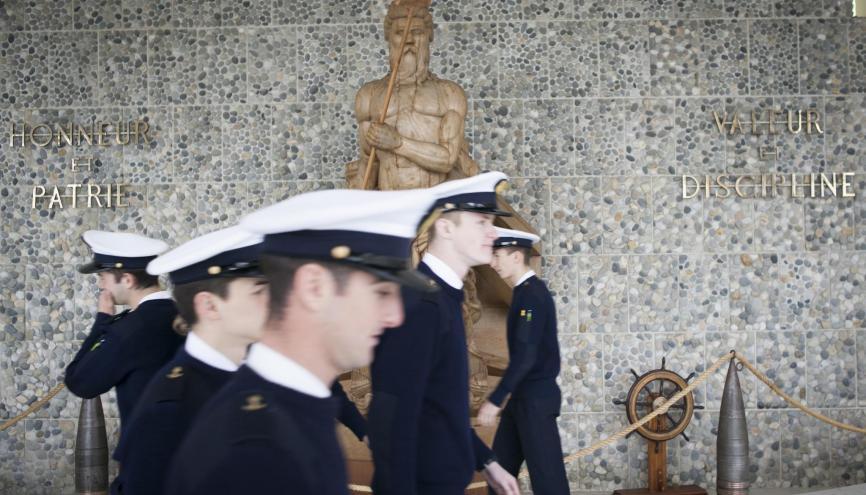 L'École navale de Brest était auparavant embarquée à bord de vaisseaux mouillés en rade de Brest.Depuis 1965, elle est installée sur la terre ferme, sur le site de Lanvéoc, sur la presqu'île de Crozon. //©Cédric Martigny pour l'Etudiant