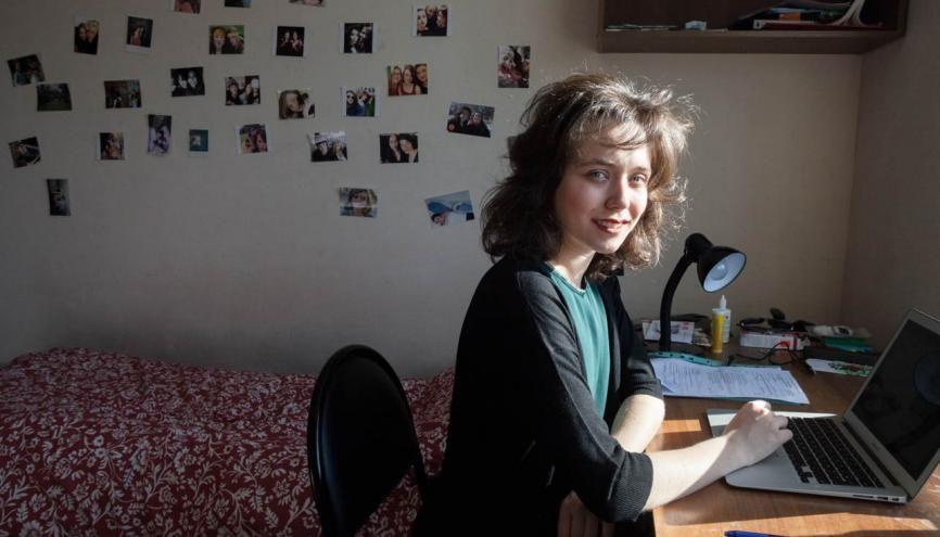 Albertine est partie faire sa troisième année de Sciences po en Russie alors qu'elle ne maîtrisait que quelques rudiments de la langue. //©Maria Pleshkova/ HansLucas pour l'Etudiant