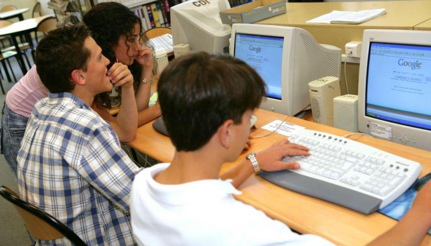 Le harcèlement sur Internet peut prendre des formes diverses. //©Phovoir