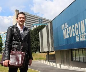 Élie-Sacha Dahan est étudiant en cinquième année de médecine à Créteil et à fond sur Snapchat.