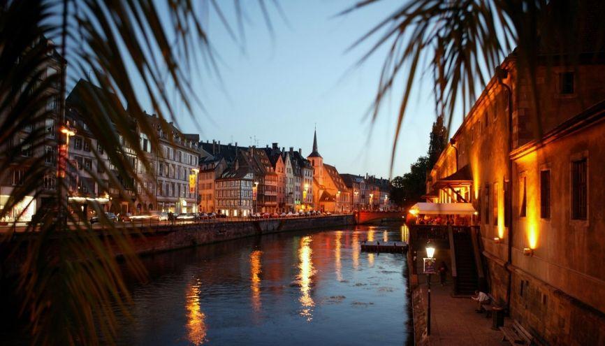 Le quai des Bateliers, à Strasbourg. //©Phovoir