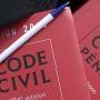 Droit : code civil, code pénal. Édition Dalloz