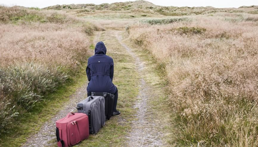 Où poser ses valises quand la rentrée a déjà eu lieu (ou presque) ? //©plainpicture/Frauke Thielking