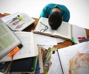 Pour réussir la première année de médecine, il faut travailler avec méthode et s'imposer une grande assiduité.