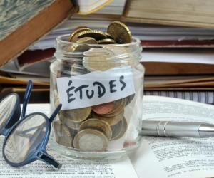 Selon la FAGE, un étudiant devra débourser en moyenne 2.361 euros en frais divers en septembre 2020.