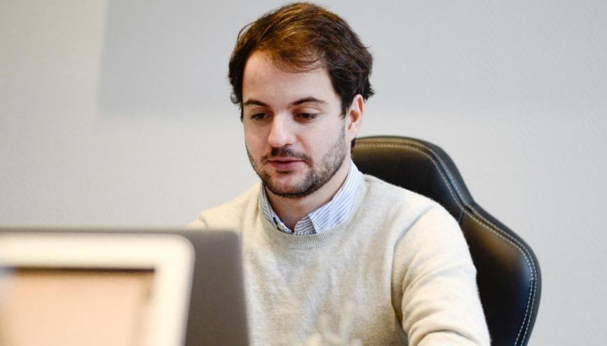 Victor s'est formé au métier de product manager par le biais de stages, puis en alternance chez Leetchi, l'entreprise spécialisée dans les cagnottes en ligne. //©Photo fournie par le témoin