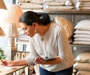 La maîtrise de l'anglais est indispensable pour les vendeurs, régulièrement en contact avec des clients étrangers, comme pour les cadres.