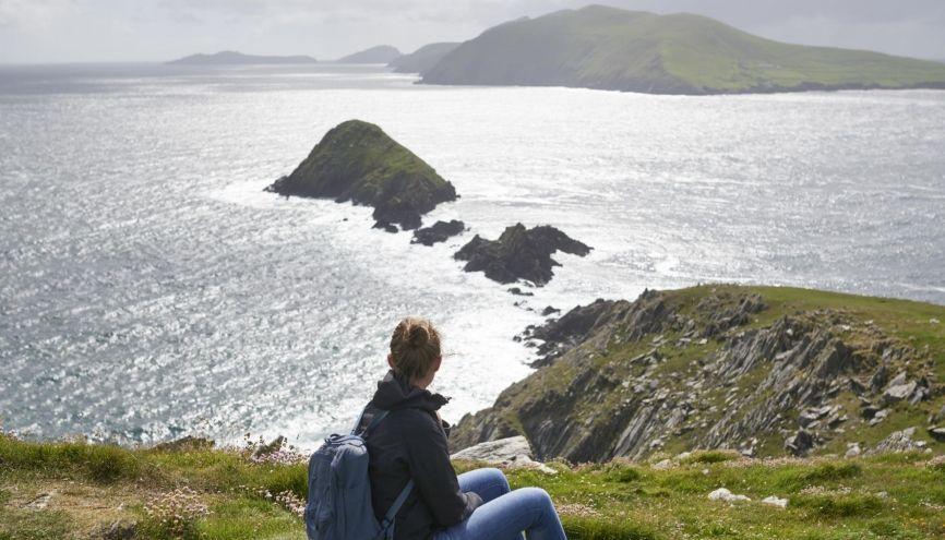 En complément des bourses, vous pouvez chercher un petit boulot pour financer vos études en Irlande. //©Willing-Holtz/ plainpicture