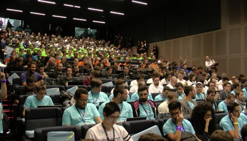 Plus de 1.000 participants concourent pour le titre de meilleur développeur de France à Station F. //©Etienne Gless