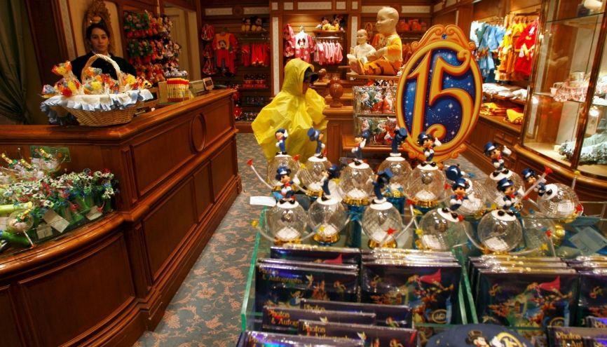 Disneyland propose chaque année de nombreux postes en CDI aux étudiants. //©Gilles ROLLE/REA