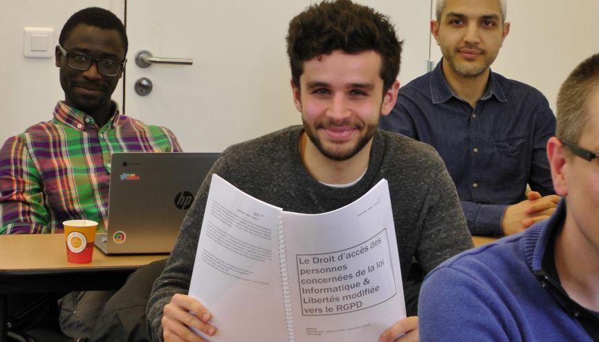 Lambert, 25 ans, assistant DPO chez Engie, prépare un Mastère Spécialisé en management et protection des données à caractère personnel. //©Etienne Gless