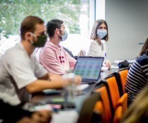 À l'Edhec comme dans d'autres écoles de commerce, des services carrière se mobilisent afin d'accompagner au mieux les étudiants.