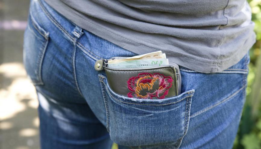 Du plus et du moins : à la rentrée 2019, les postes de dépenses étudiantes évoluent. //©plainpicture/Iris Loonen