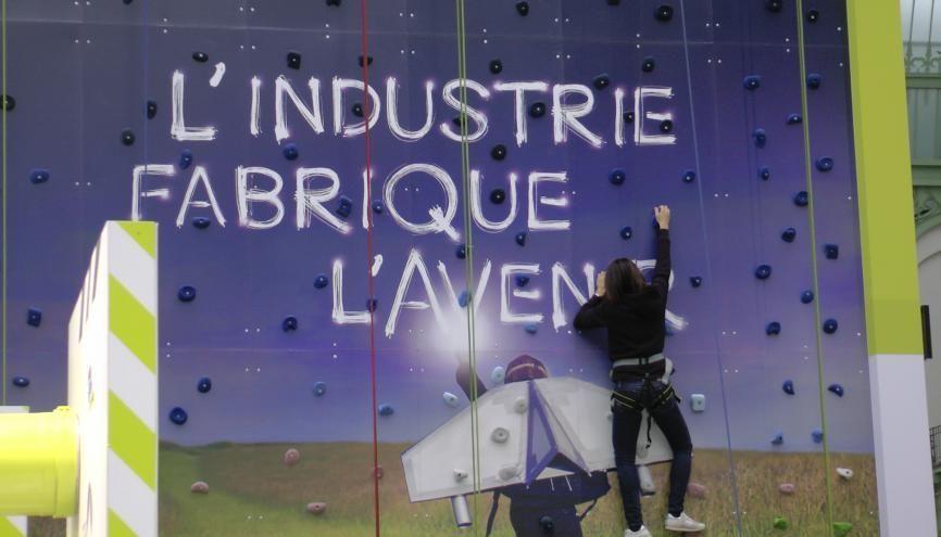 L'industrie française va recruter et former 250.000 personnes chaque année dans les 5 ans à venir //©Etienne Gless