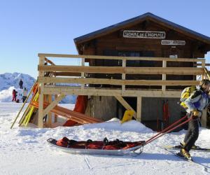 Secouriste : le bon métier pour skier et se rendre utile tout l'hiver.